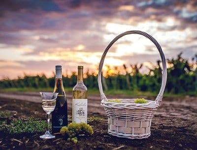 Бяло вино и вино розе от Изба Калиакра, гр. Каварна